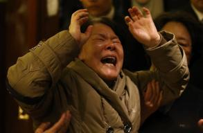 Chinese Outpouring of Grief - MH370